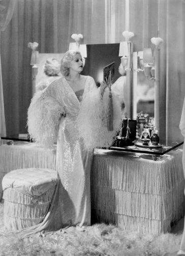 1920s-1930s-hollywood-movie-sets-in-living-room-bedroom-dining-1920s-living-room-l-c8177239c7183605